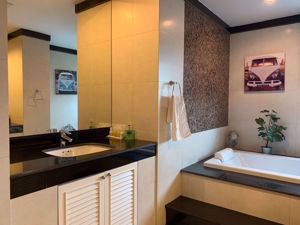 Picture of 4 bed Condo in Baan Ananda Khlong Tan Nuea Sub District C004787