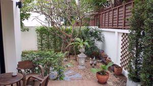 รูปภาพ 3 bed House in Villa Arcadia Srinakarin  Bang Kaeo Sub District H05308