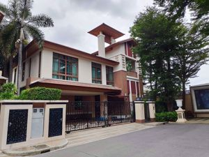 Picture of 4 bed House in Baan Sansiri Sukhumvit 67  Phrakhanongnuea Sub District H05328