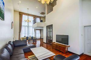 รูปภาพ 3 bed House in Baan Klang Krung (British Town - Thonglor)  Watthana District H05335
