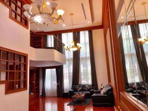 รูปภาพ 4 bed House in Baan Klang Krung (British Town - Thonglor)  Watthana District H05337