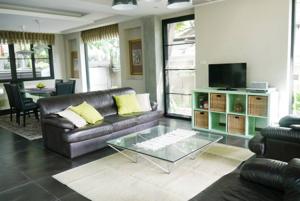 รูปภาพ 3 bed House  Khlong Tan Nuea Sub District H05353