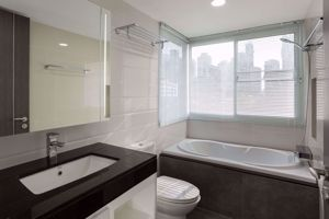 Picture of 3 bed Condo in Aashiana Sukhumvit 26 Khlongtan Sub District C09585