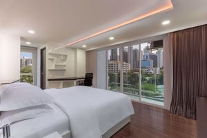 รูปภาพ 3 bed Condo in Aashiana Sukhumvit 26 Khlongtan Sub District C09585
