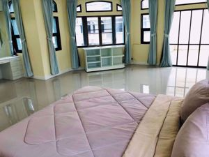 รูปภาพ 4 bed Condo in Moo Baan Chicha Castle Khlong Toei Nuea Sub District C10415