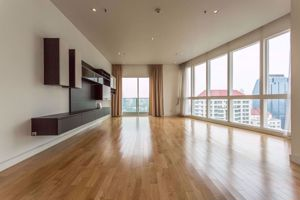 Picture of 3 bed Condo in Millennium Residence Khlongtoei Sub District C10968