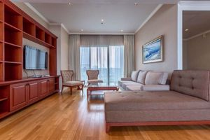 Picture of 3 bed Condo in Millennium Residence Khlongtoei Sub District C10971