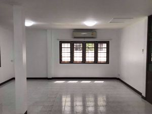 Picture of 3 bed House  Phrakhanongnuea Sub District H10914