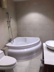 Picture of 4 bed Condo in Baan Klang Krung (British Town - Thonglor) Khlong Tan Nuea Sub District C11381