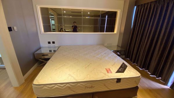 Picture of 1 bed Condo in State Tower Silom Sub District C11829