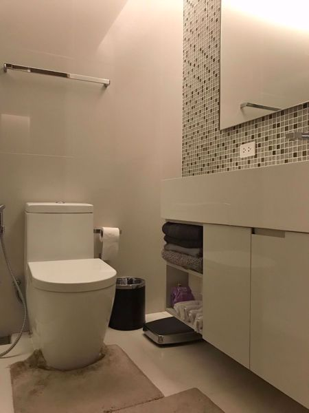 Picture of 1 bed Condo in The Room Sukhumvit 21 Khlongtoeinuea Sub District C11858