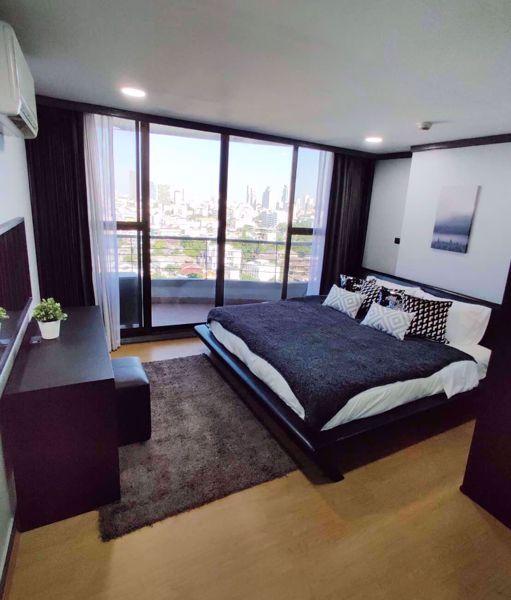 Picture of 3 bed Condo in Supalai Place Condominium Khlong Tan Nuea Sub District C11752