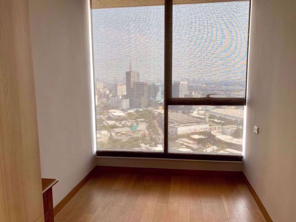 Picture of 2 bed Condo in The Lumpini 24 Khlongtan Sub District C11993