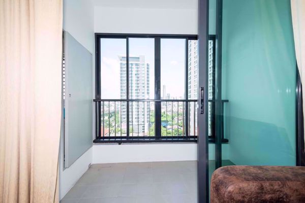 Picture of 1 bed Condo in Ideo Sathorn - Thaphra Bukkhalo Sub District C12020