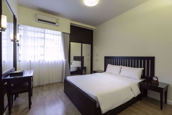 Picture of 4 bed Condo in The Kameo Court Khlongtoeinuea Sub District C012175