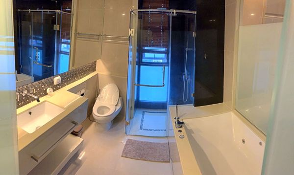 Picture of 2 bed Condo in The Address Sathorn Silom Sub District C012289