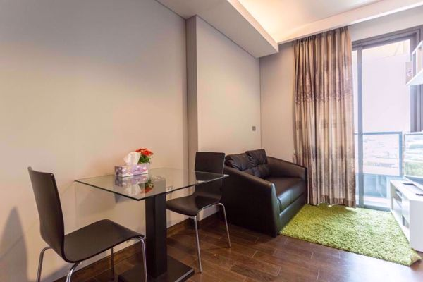 Picture of 1 bed Condo in The Lumpini 24 Khlongtan Sub District C012384