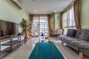 รูปภาพ 2 bed Condo in Serene Place Sukhumvit 24 Khlongtan Sub District C013012