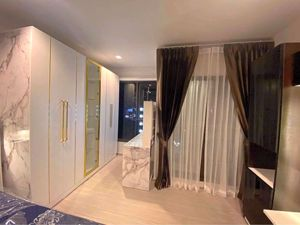 รูปภาพ Studio bed Condo in LIFE Asoke - Rama 9 Makkasan Sub District C013299