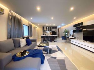 Picture of 2 bed Condo in Park Ploenchit Khlong Toei Nuea Sub District C013303