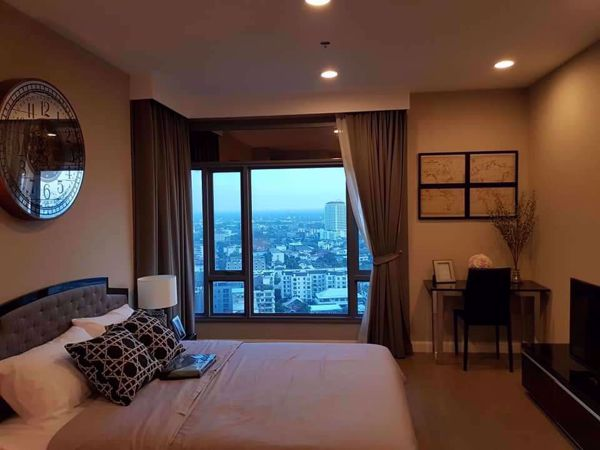 Picture of 1 bed Condo in The Crest Sukhumvit 34 Khlongtan Sub District C013445