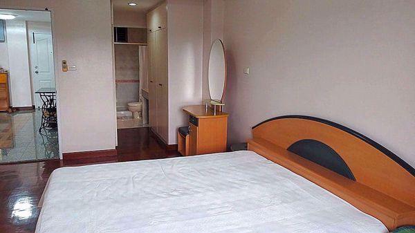 Picture of 2 bed Condo in Areesamphan Park Samsennai Sub District C013467