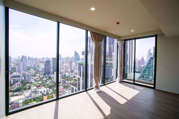 Picture of 3 bed Condo in Celes Asoke Khlongtoeinuea Sub District C013529