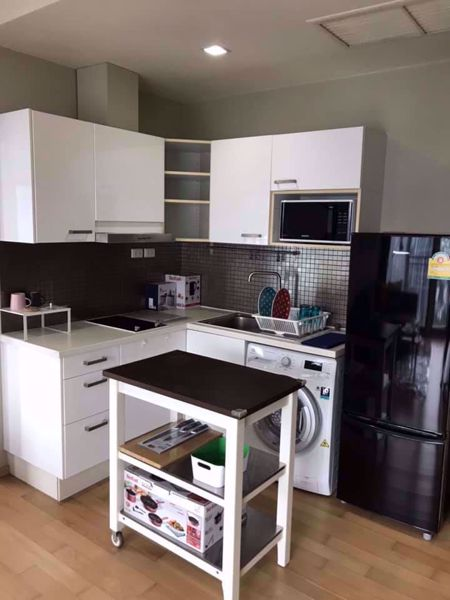 Picture of 1 bed Condo in Noble Reveal Khlong Tan Nuea Sub District C013542