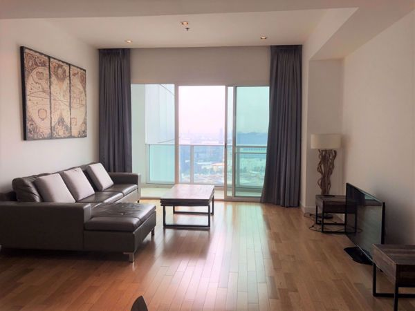 Picture of 3 bed Condo in Millennium Residence Khlongtoei Sub District C014030