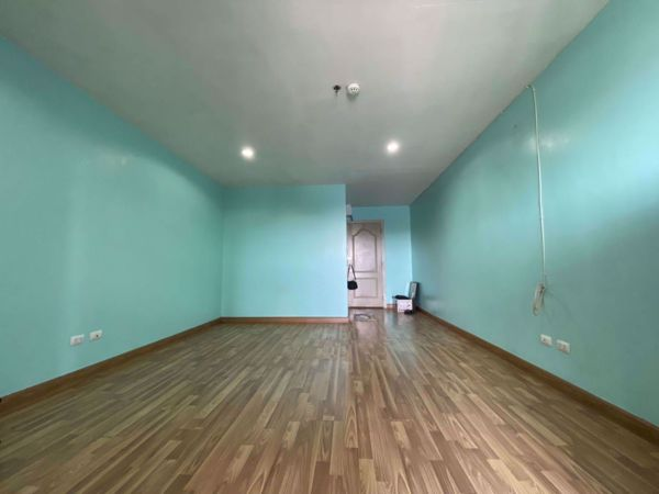 Picture of Studio bed Condo in Regent Home 12 Latphrao 41 Huai Khwang District C014097