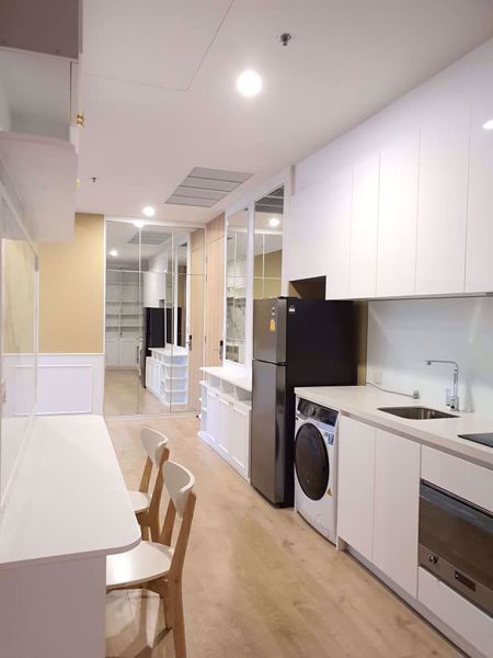 Picture of 2 bed Condo in Noble BE19 Khlong Toei Nuea Sub District C014142