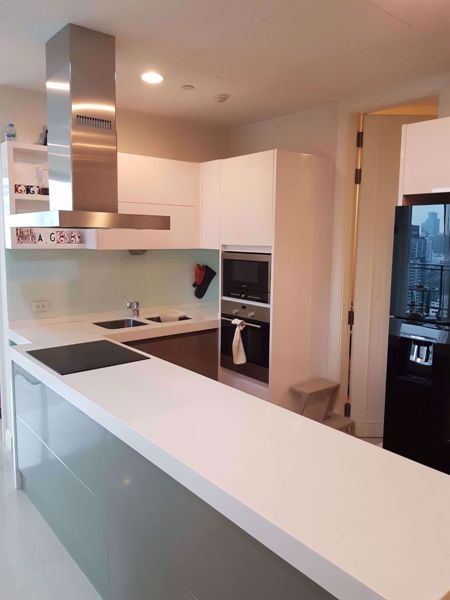 Picture of 3 bed Condo in Q Langsuan Lumphini Sub District C014214