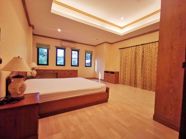 Picture of 3 bed Condo in El Patio Khlong Toei Nuea Sub District C014276