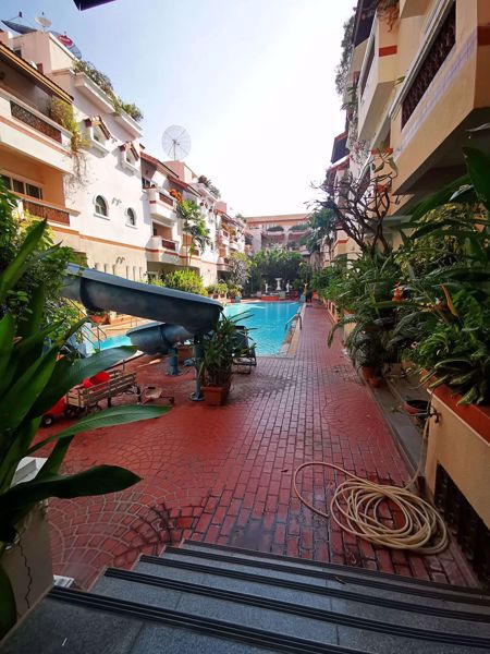 Picture of 3 bed Condo in El Patio Khlong Toei Nuea Sub District C014276