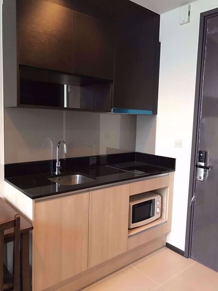 Picture of 1 bed Condo in Edge Sukhumvit 23 Khlong Toei Nuea Sub District C014425