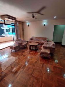 รูปภาพ 3 ห้องนอน Condo ในโครงการ Rishi Court Khlong Toei Nuea Sub District C014537