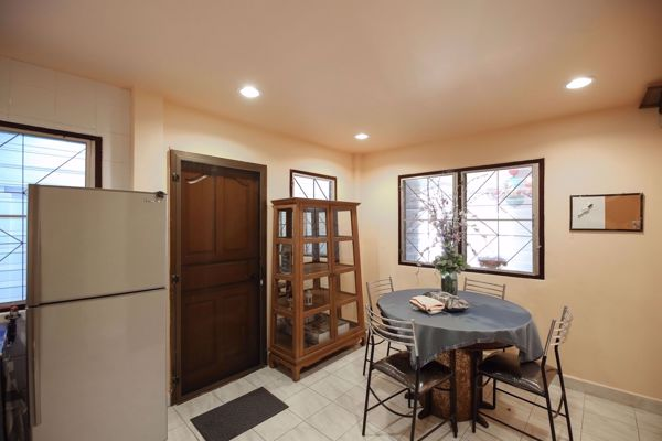 Picture of 3 bed House  Huamak Sub District H014555