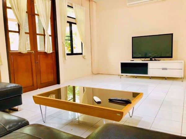 Picture of 4 bed House in Moo Baan Chicha Castle  Khlong Toei Nuea Sub District H014652