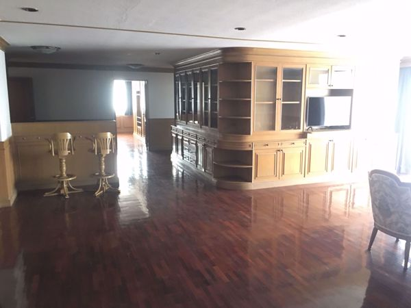 Picture of 3 bed Condo in DS Tower 1 Sukhumvit 33 Khlong Tan Nuea Sub District C014661