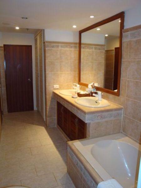 รูปภาพ 2 ห้องนอน Condo ในโครงการ Sukhumvit Suite Khlong Toei Nuea Sub District C014678
