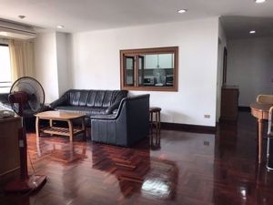 Picture of 3 bed Condo in Richmond Palace Khlong Tan Nuea Sub District C014716