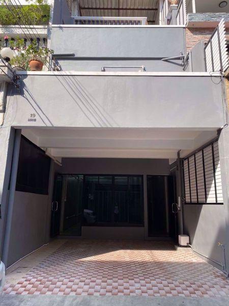 รูปภาพ 3 bed House  Yan Nawa Sub District H014722