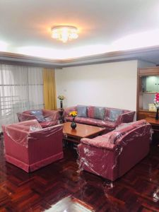 Picture of 3 bed Condo in Rishi Court Khlong Toei Nuea Sub District C014916