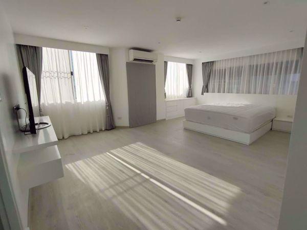 รูปภาพ 2 ห้องนอน Condo ในโครงการ Silom Condominuim Bang Rak District C014960