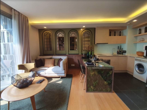 Picture of 1 bed Condo in Via Botani Khlong Tan Nuea Sub District C014976