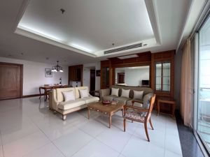 Picture of 3 bed Condo in Suan Phinit Place Sathon District C014989