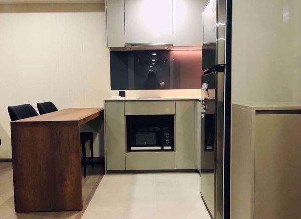 Picture of 1 bed Condo in Klass Sarasin-Rajdamri Pathum Wan District C015071