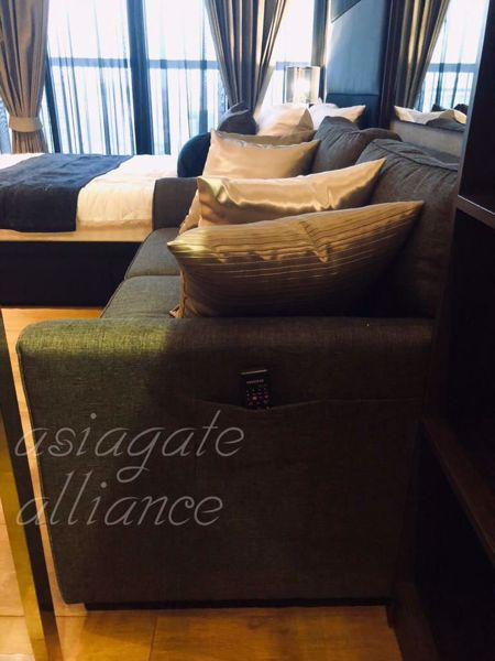Picture of Studio bed Condo in Park Origin Phromphong Khlongtan Sub District C015074