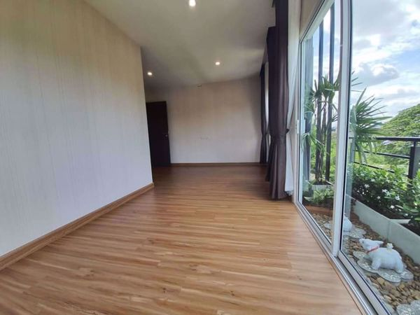 Picture of 5 bed House  Saphansung Sub District H015280