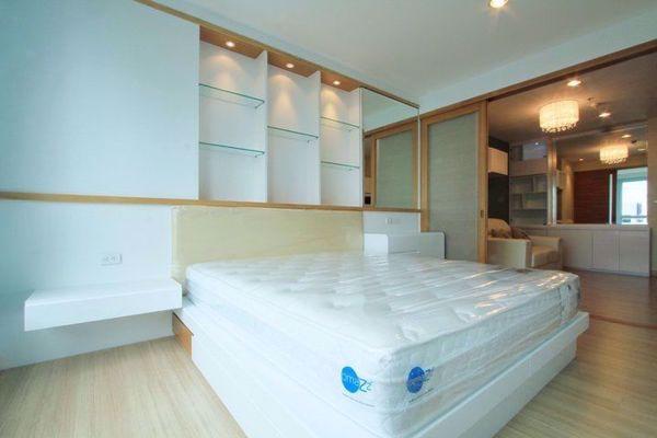 รูปภาพ 1 ห้องนอน Condo ในโครงการ Life @ Sathorn 10 Silom Sub District C015448